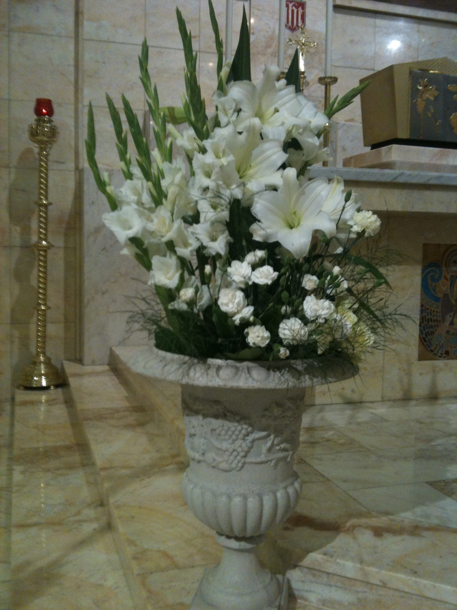 wedding flower arrangement flowers of sydney